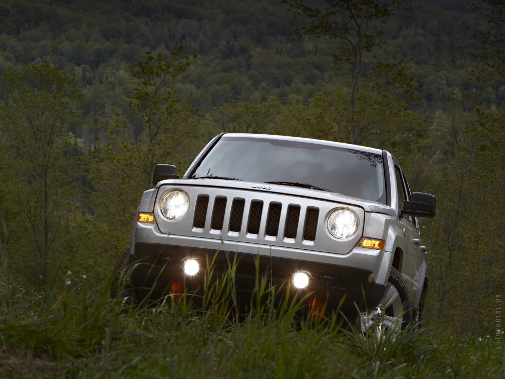 Фото нового Jeep Patriot 2011.